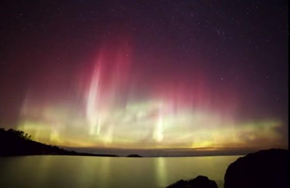 Небесный огонь: северное сияние в штате Мичиган