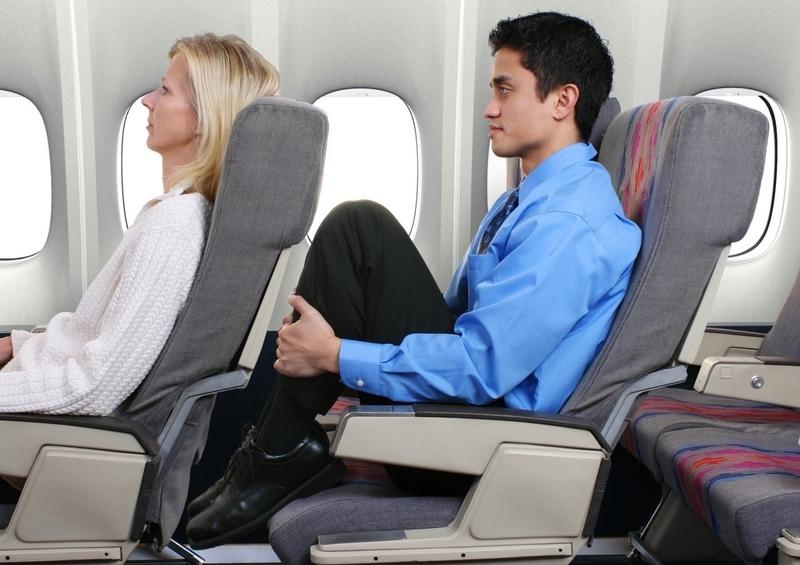 Храп, носки и подлокотник: 7 золотых правил этикета в самолете.Вокруг Света. Украина