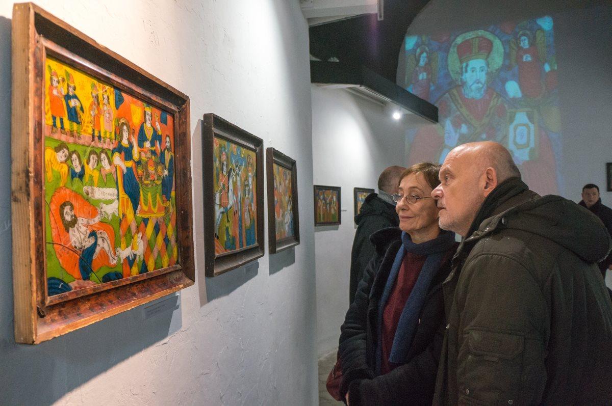 Во Львове открылась выставка пазлов из разбитых икон.Вокруг Света. Украина