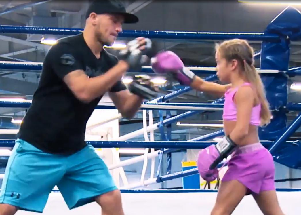 Розовая пантера выходит на ринг: 9-летняя украинка - чемпион по боксу