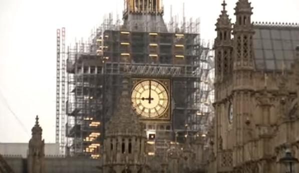 В Лондоне в честь праздников заработал Биг-Бен