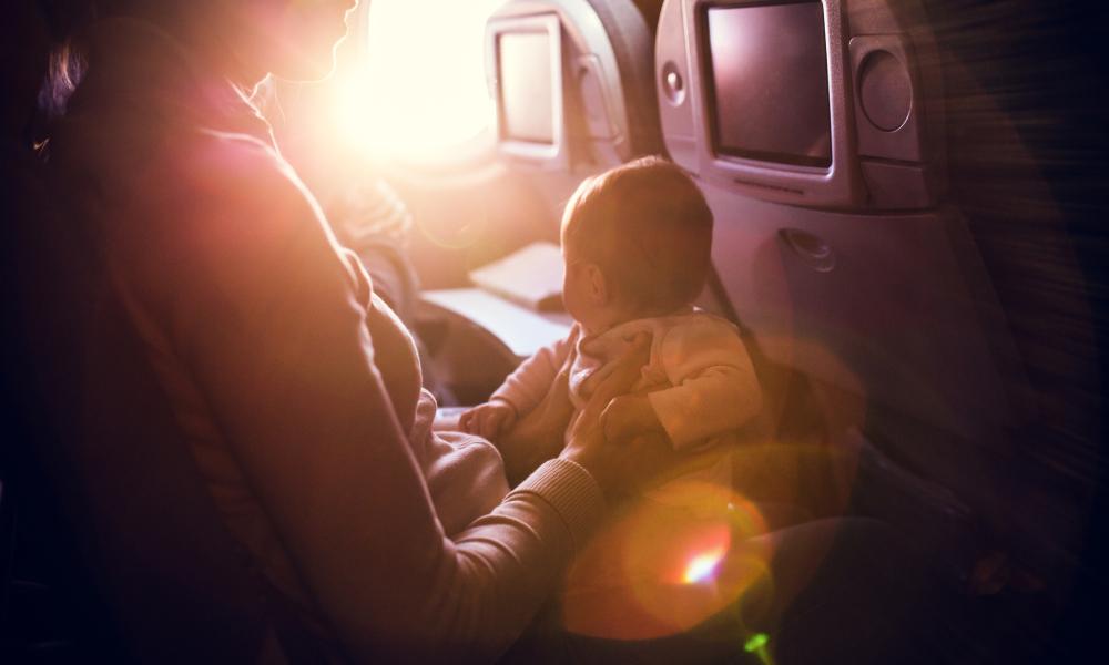 В США сняли с рейса кормящую мать.Вокруг Света. Украина