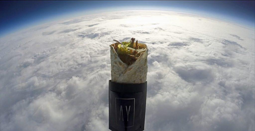 Швейцарцы запустили в космос кебаб