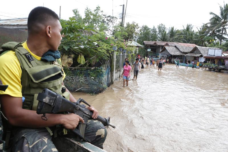 На Филиппины обрушился тропический шторм: уже 200 погибших