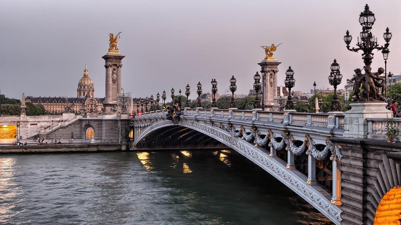 В Париже построят три новых моста через Сену – с садами, магазинами и кафе