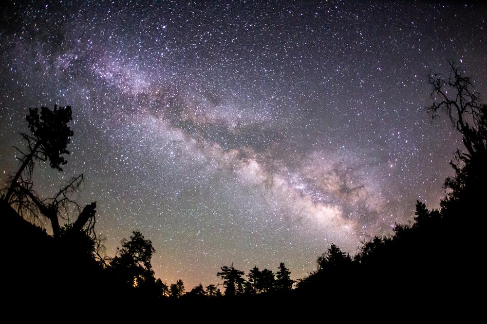 Млечный Путь наполнен множеством покинутых спутников.Вокруг Света. Украина