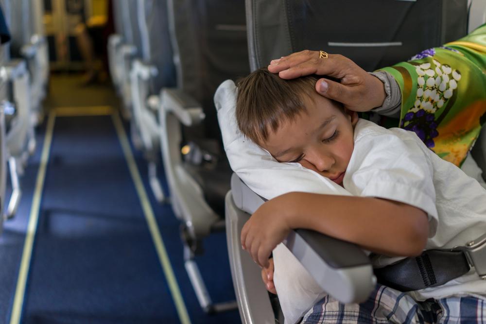 Как выспаться в эконом-классе: лайфхаки для путешествия в самолете