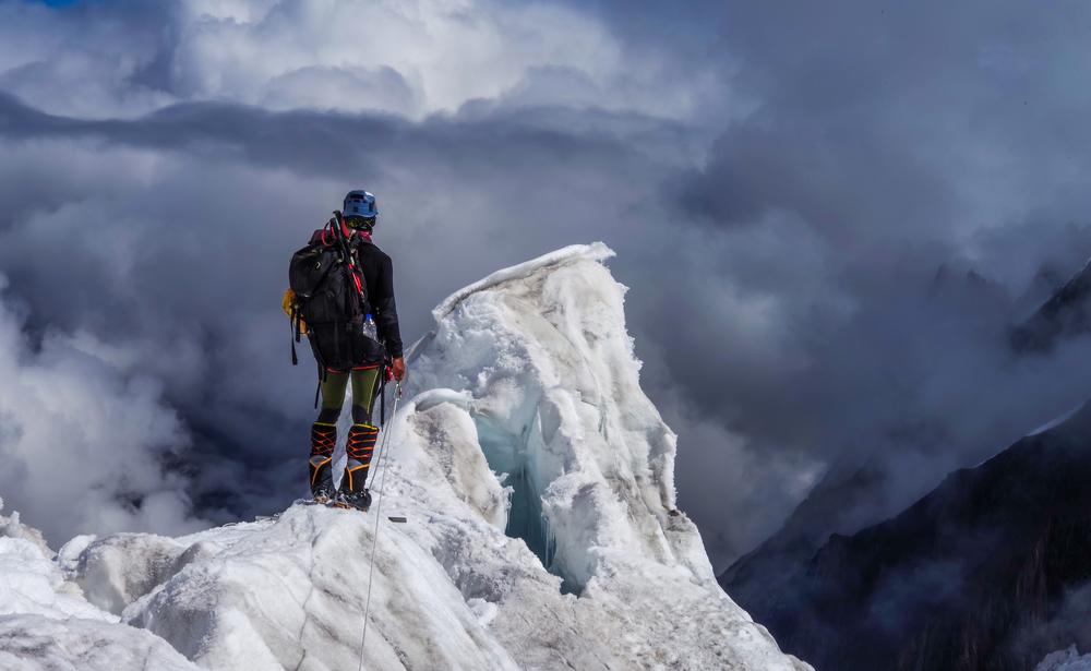 Почему в горах альпинисты теряют контроль над реальностью?