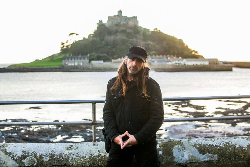 Британцу запретили посещать остров из-за провокационной песни