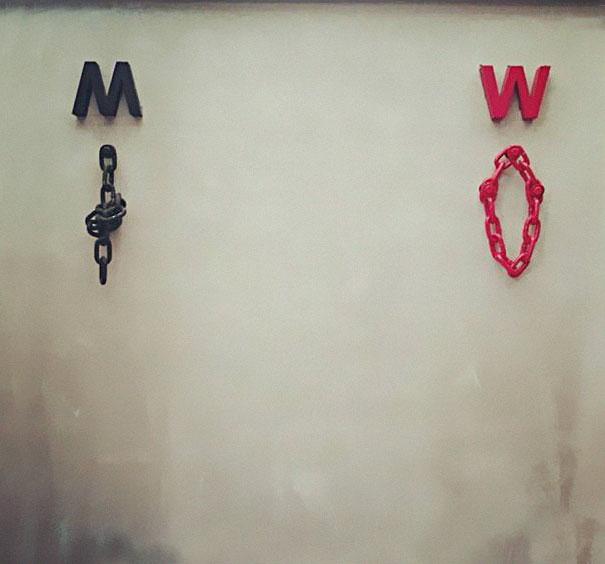 Бла-бла-бла, или Самые креативные туалетные знаки Бла-бла-бла, или Самые креативные туалетные знаки 23