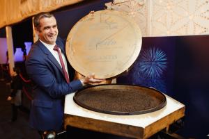 На вечеринке в Дубае съели икры на $46 000