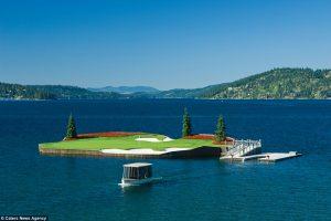 Лунка для гольфа, до которой можно добраться только вплавь