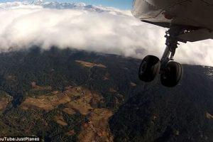 Как выглядит посадка в самом опасном аэропорту мира (видео)