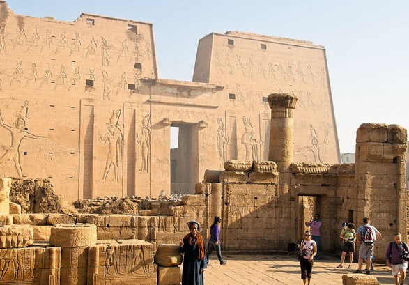 Археологи Египта обнаружили древнюю сокровищницу фараонов