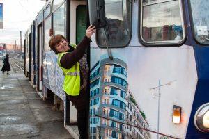 Во Львове водитель трамвая стала видеоблогером