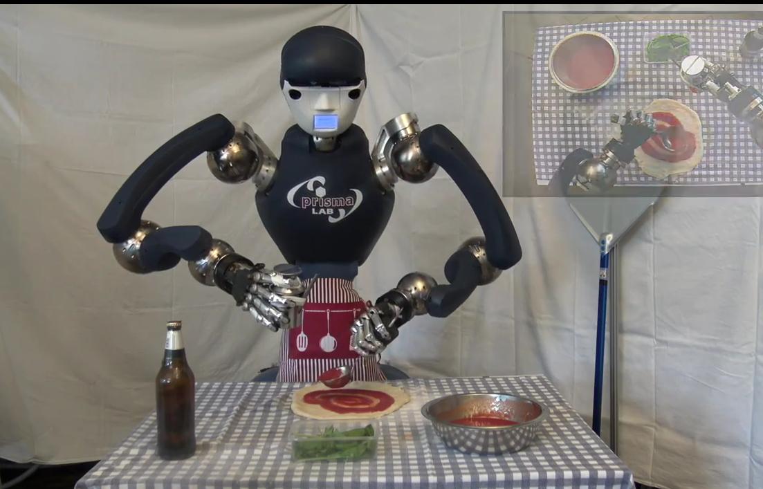 Неаполитанцы создали робота-пиццайоло, который готовит по всем итальянским правилам