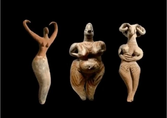 Голые танцующие богини покорили соцсети