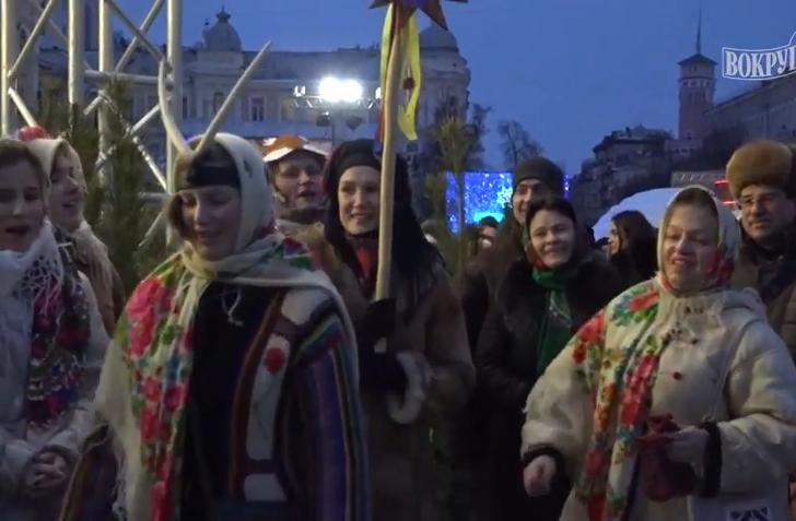 Щедрый вечер на Софийской площади