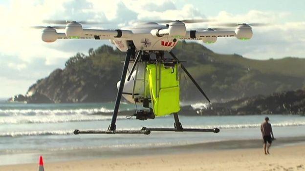 В Австралии дрон впервые в истории спас утопающих.Вокруг Света. Украина