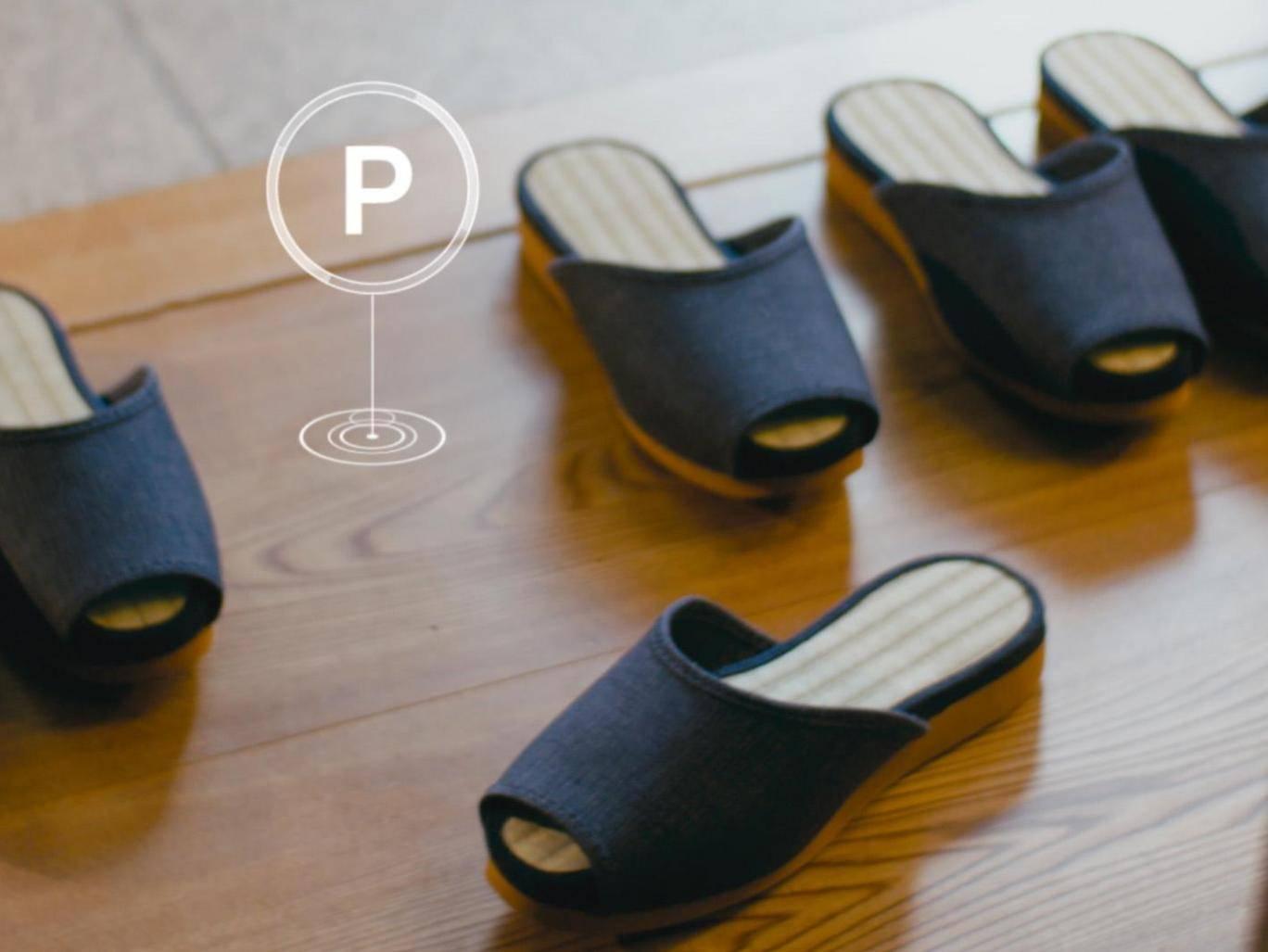 Японский отель предлагает гостям тапки-самоходы и «умную» мебель