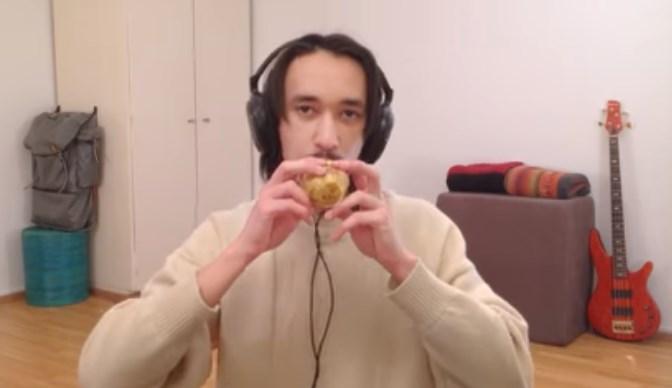 Картофель оказался музыкальным инструментом