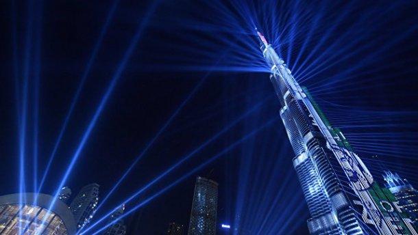 Дубай поставил мировой рекорд по размаху лазерного шоу (видео)