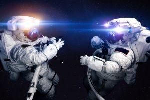 Астронавты облетели МКС на пылесосе (видео)