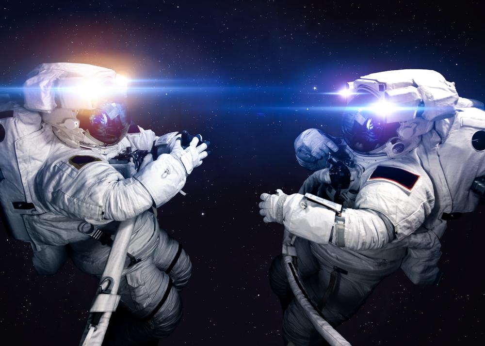 Астронавты облетели МКС на пылесосе (видео).Вокруг Света. Украина