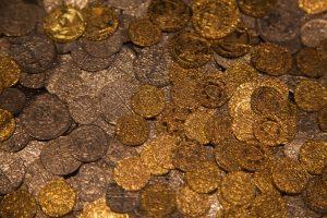 Дайверы нашли золото затонувшего парохода
