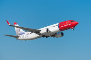 Норвежский пассажирский самолет преодолел скорость звука