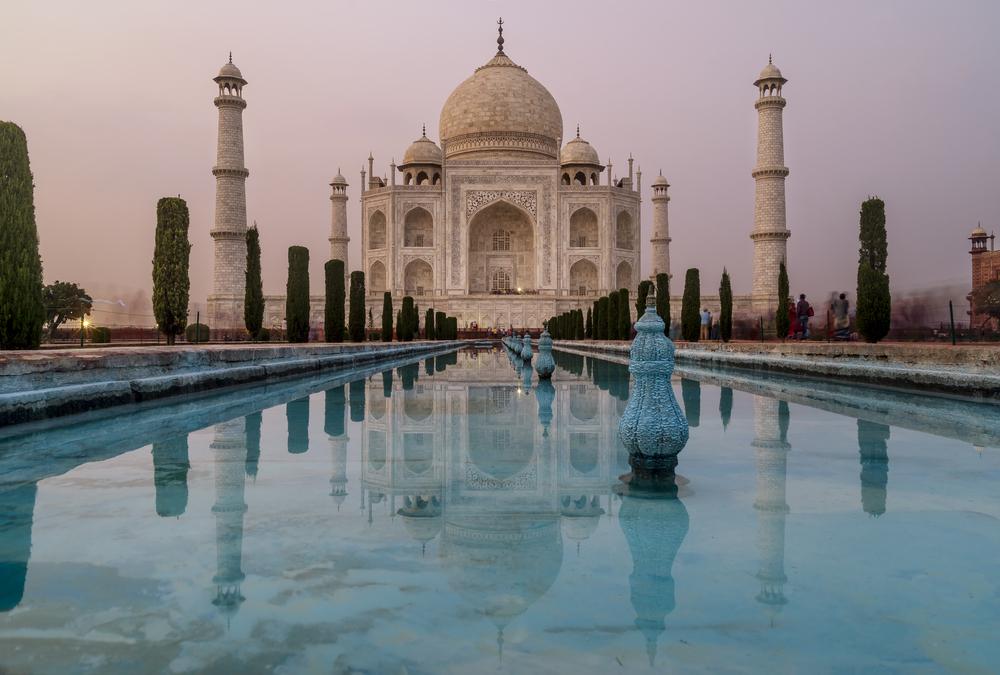 Индия ограничит вход туристов в Тадж-Махал