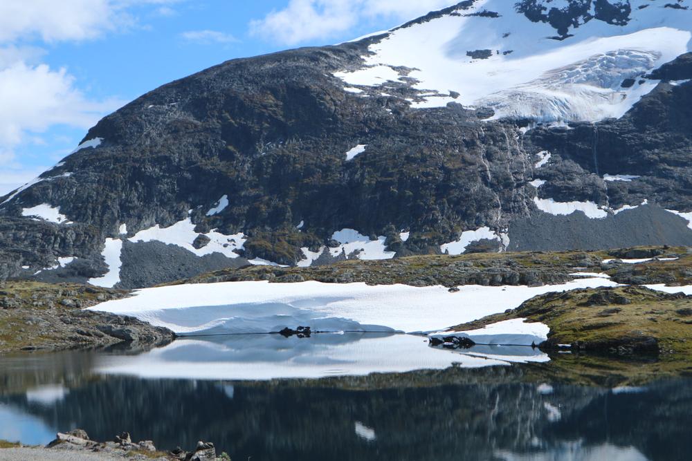 В ледниках Норвегии оттаяли тысячелетние охотничьи артефакты
