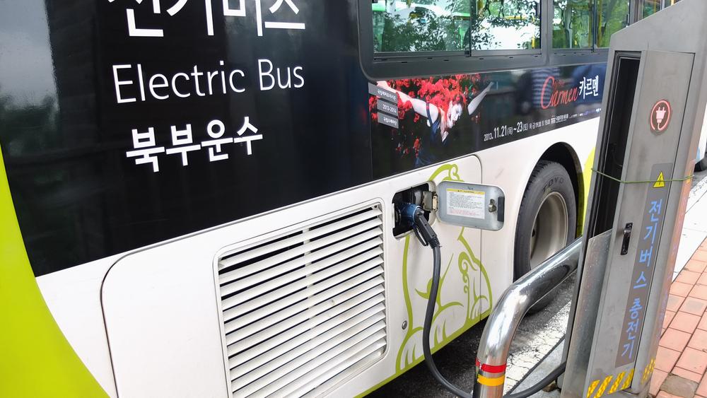 Весь общественный транспорт Шэньчжэня стал электрическим
