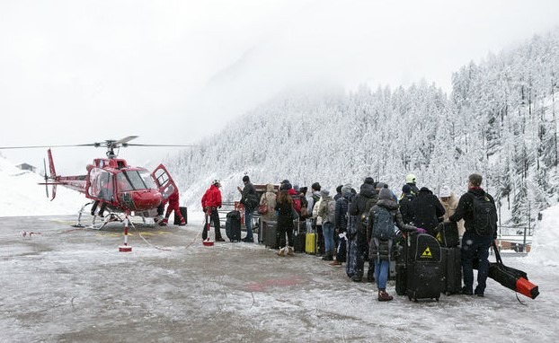 На горнолыжном курорте в Швейцарии в снежном плену оказались тысячи туристов.Вокруг Света. Украина