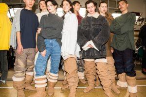 Мушкетеры возвращаются: в Париже представили угги-ботфорты