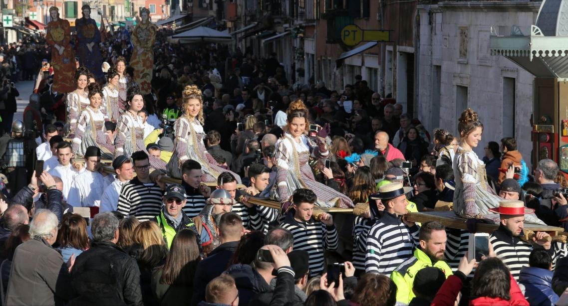 Как проходит карнавал в Венеции-2018: расписание и яркие фото Как проходит карнавал в Венеции-2018: расписание и яркие фото vybor korolevy