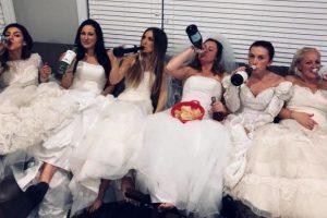 Девичник в свадебных платьях в честь развода? Легко!