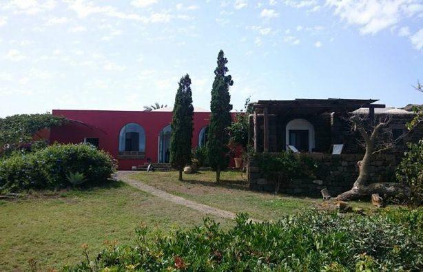 Пантеллерия Италия Пантеллерия: гастрономический рай в глухой итальянской провинции 28054110 10204023052972503 851357066 n 614x395