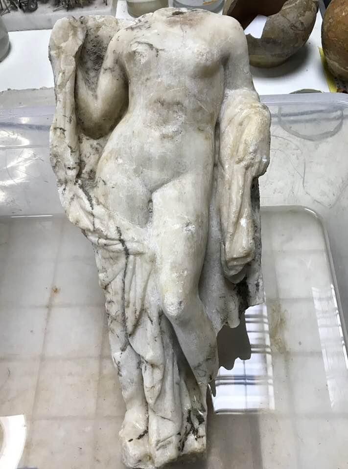 Строители греческого метро откопали Афродиту Строители греческого метро откопали Афродиту 28167024 1513108428801911 4899115018991922562 n