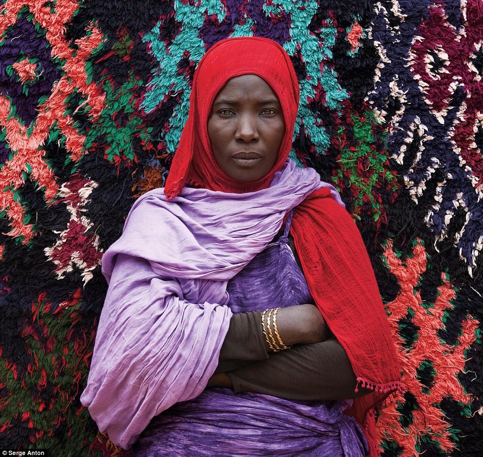 Фотограф из Бельгии 30 лет снимает народы Азии и Африки.Вокруг Света. Украина