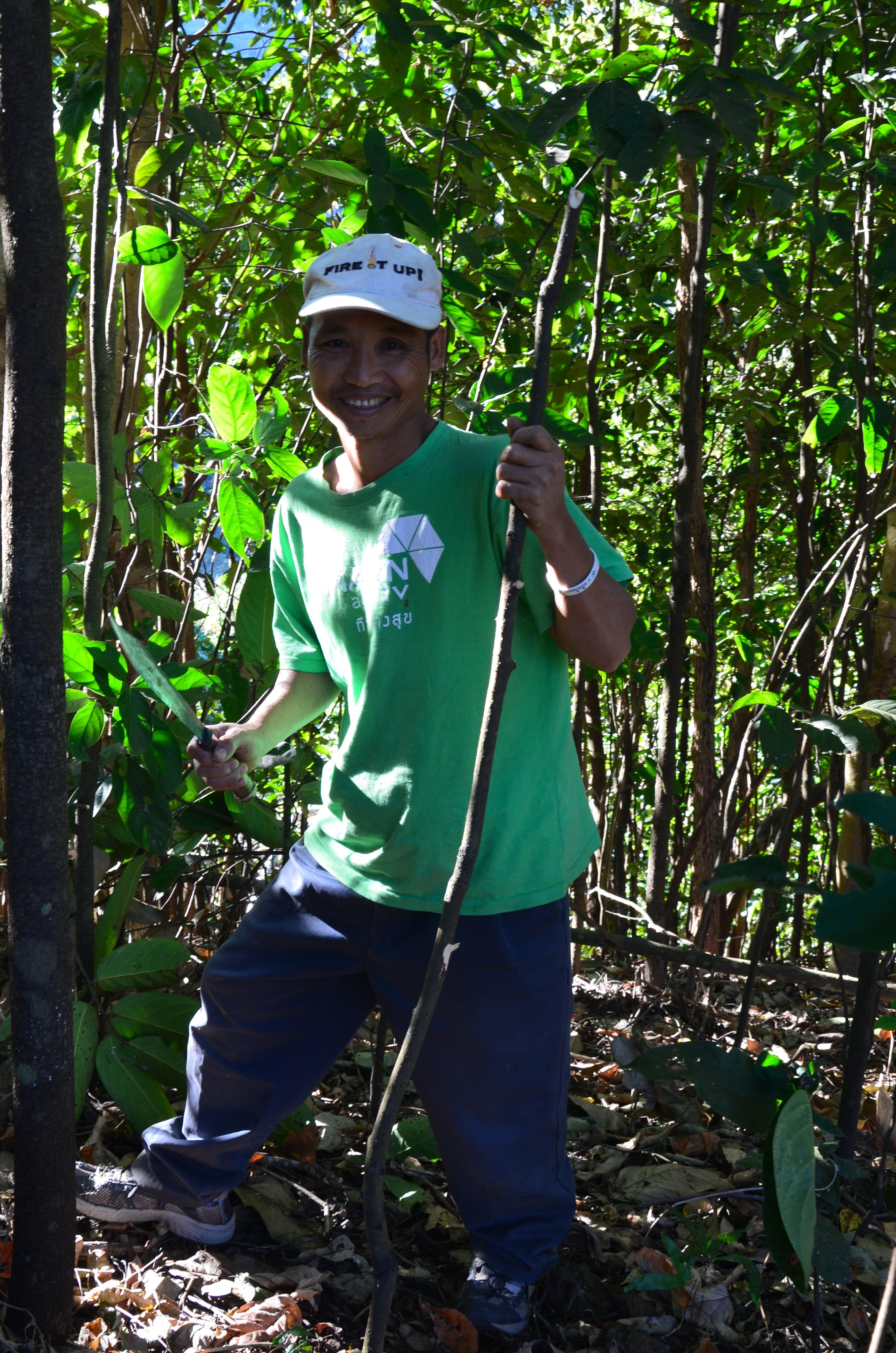 Нави и длинношеие женщины: поход в таиландские джунгли Нави и длинношеие женщины: поход в таиландские джунгли DSC 0876