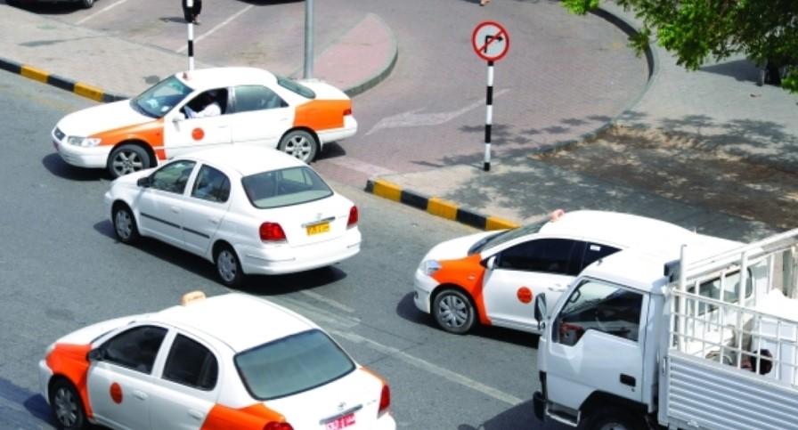 В Омане женщинам разрешили работать таксистами
