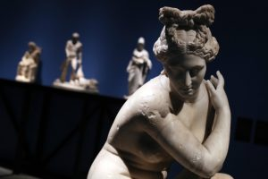 Строители греческого метро откопали Афродиту