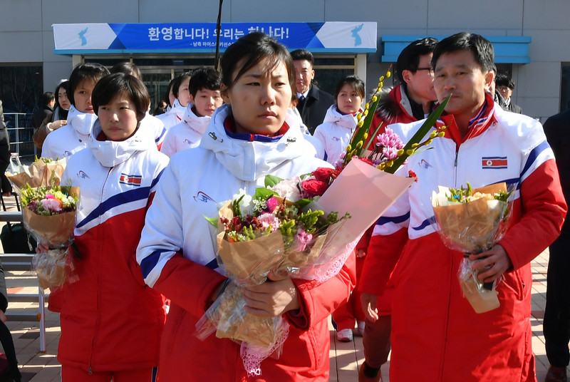 Хоккейные клюшки – предмет роскоши в КНДР