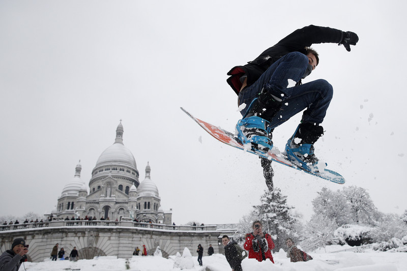 Заснеженный Париж: 20 кадров, подтверждающих его фотогеничность