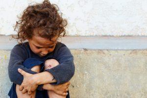 Люди, выросшие в бедности, чаще болеют