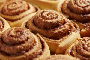 Кухни мира: рецепт шведских булочек с корицей