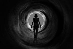 Черные дыры могут стирать прошлое