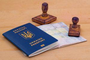 Украинцам обещают безвиз со 100 странами