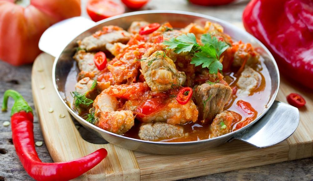 Кухни мира: рецепт венгерского паприкаша